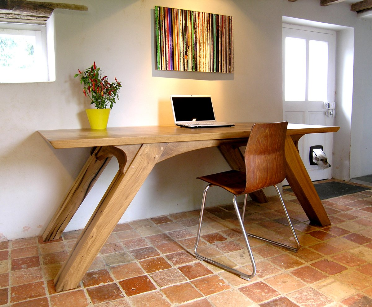 Office Furniture: Bespoke Office Desk