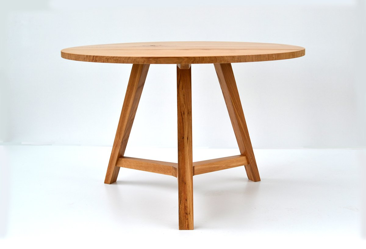 Round oak dining table handmade bespoke round table for Table circle